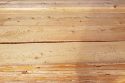 lariks gevel hout onbehandeld
