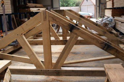 eik structuur balken kepers dakbeschot stekers