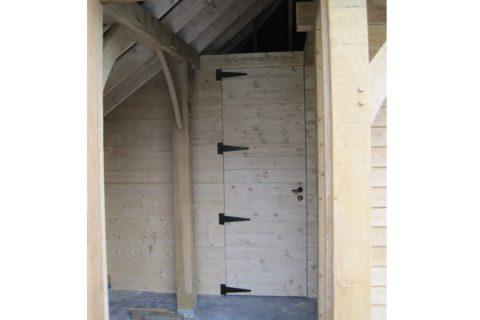 deur-tuinhuis binnen grenen zwarte scharnieren deuren schilderen in ral kleur van keuze
