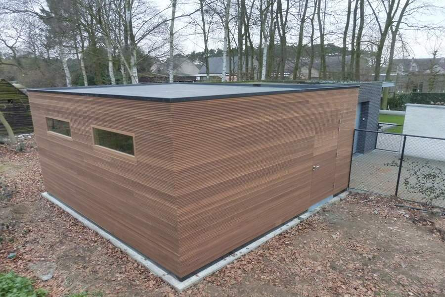 Modern exclusieve blokhut met overkapping hout epdm thermowood ayous blokprofiel