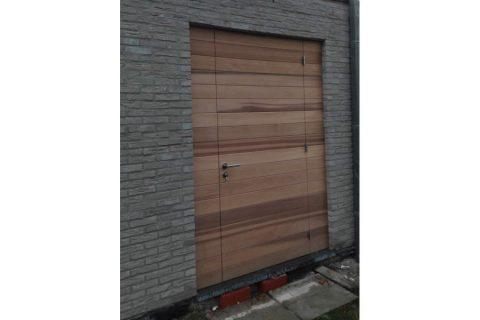 producent duurzame deuren-buitendeur op maat ceder bijgebouw