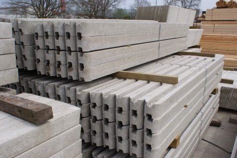 beton palen schutting in combinatie hardhout Antwerpen6