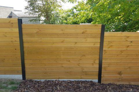 zwarte aluminium palen tuinscherm gleuf schuttingpalen