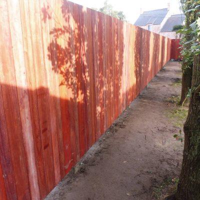 recensie padouk tuinwand geplaatst